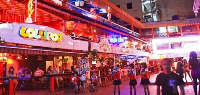 Ladyboys in Nana Plaza Bangkok